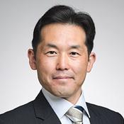麻生 隆文 氏